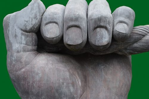 abitudine a mangiarsi le unghie