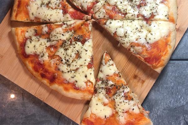 pizza in teglia con ingrediente segreto
