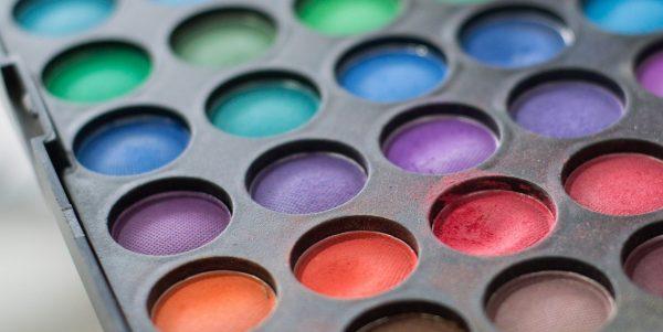 eliminiamo il makeup superfluo