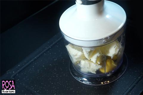 frullare gli ingredienti